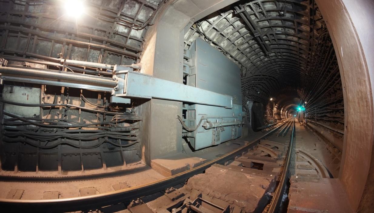 Фото 6. Тоннель, гермозатвор