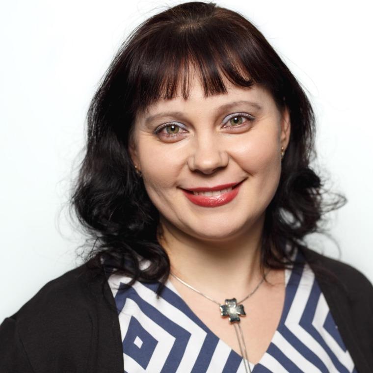Людмила Головкина, Страна Карт