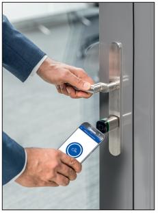 Evolo smart – система контроля доступа в кармане