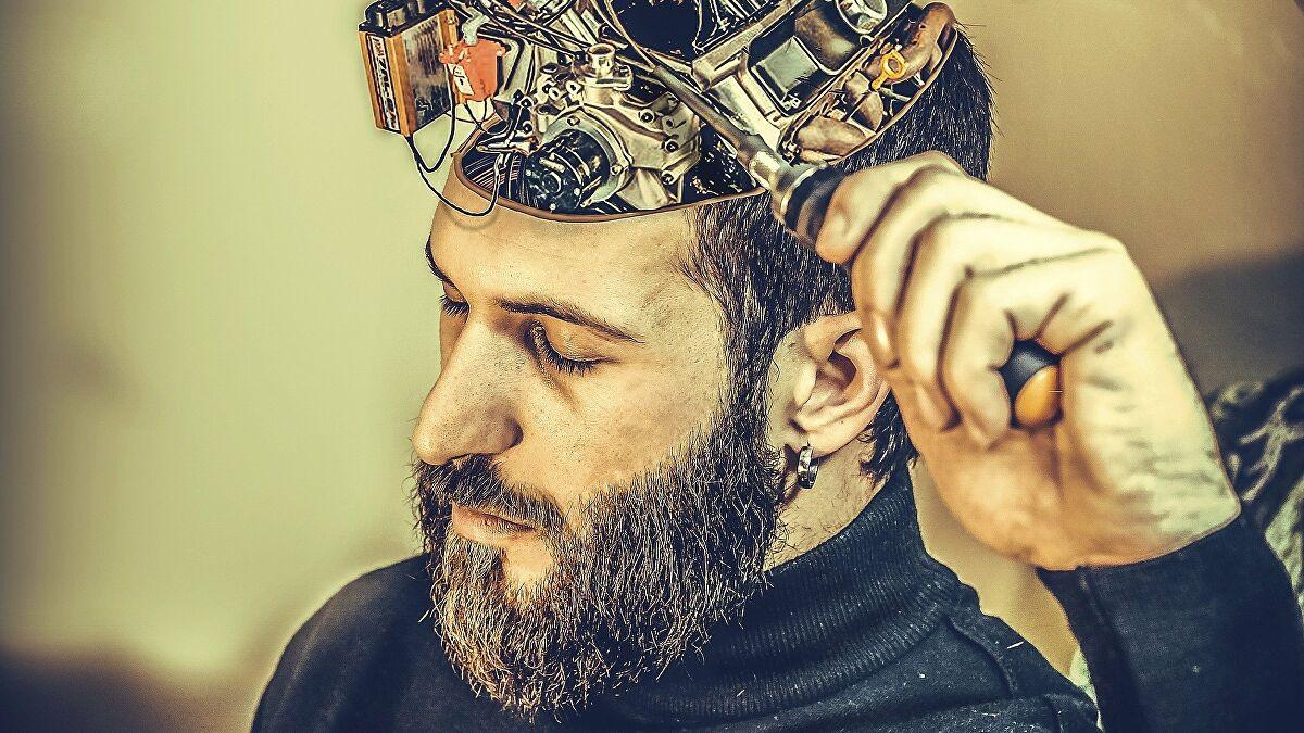 В России прорабатывается программа по вживлению чипов в мозг человека