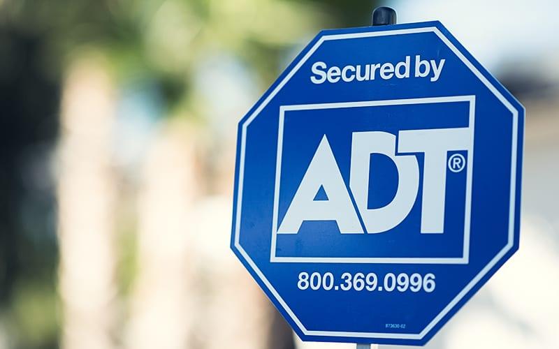 Google покупает долю в производителе охранных систем ADT