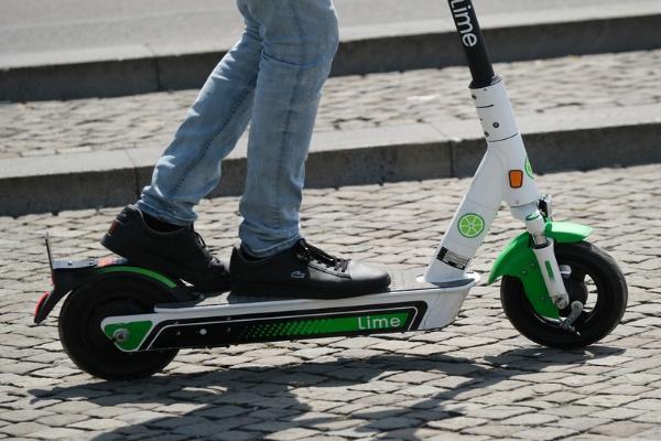 В даркнете выставлены на продажу учетные записи для скутеров Lime