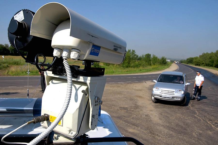 Новые комплексы видеофиксации нарушений хотят установить на дорогах и автомобилях