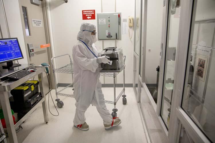 В США начнут производство пластыря для ранней диагностики COVID-19