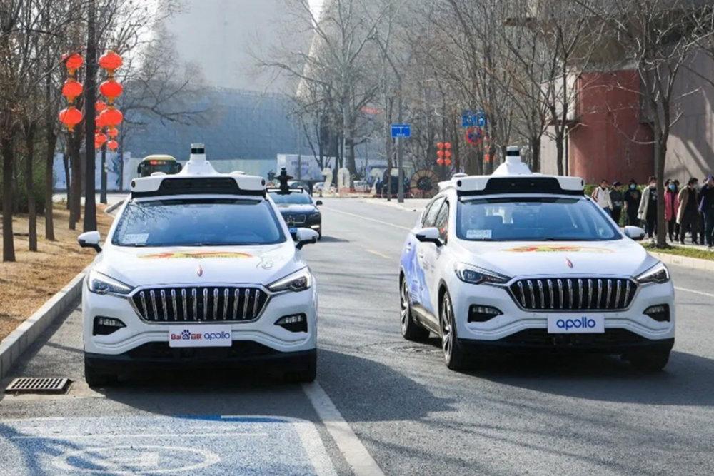 В Китае запустили поездки такси без водителя