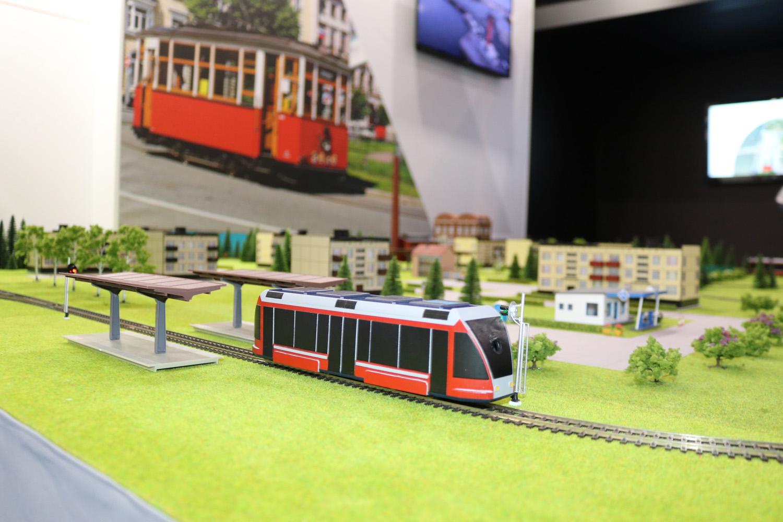 Макет будущего беспилотного трамвая представлен в Санкт-Петербурге
