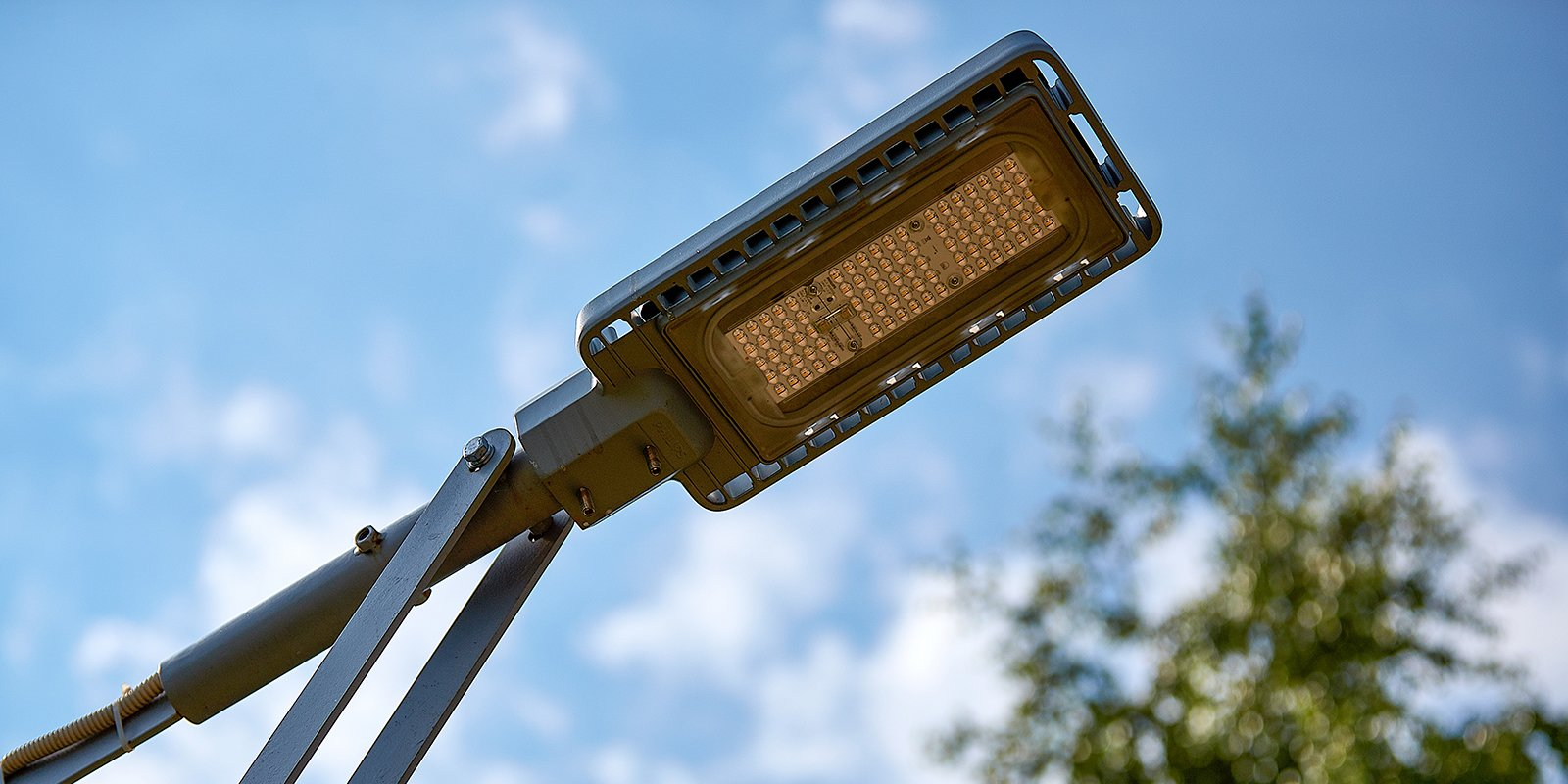 Как работает система умного освещения в Москве