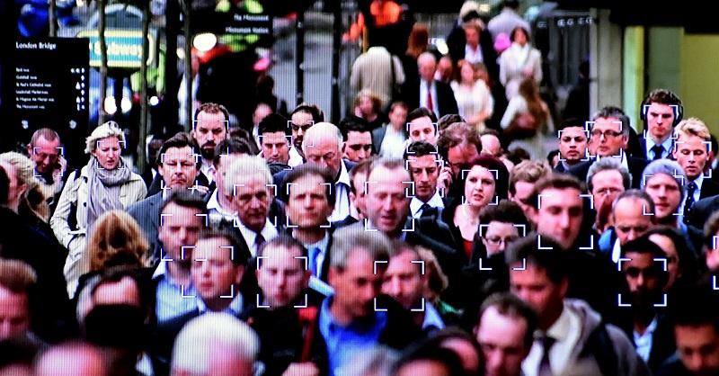 Зачем городам нужно распознавание лиц?
