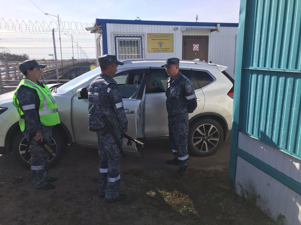 Взрывное устройство обнаружили внутри авто сотрудники ведомственной охраны Минтранса в Приамурье