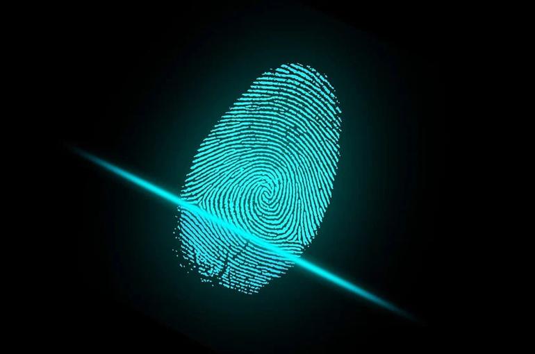 Контроль за хранением биометрии в МФЦ могут передать Роскомнадзору и ФСБ