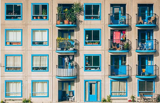 Запрет открытого огня на балконе: что нужно знать