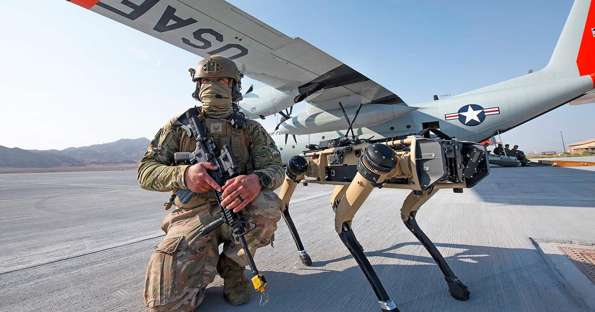 Военные США тестируют собак-роботов на поле боя